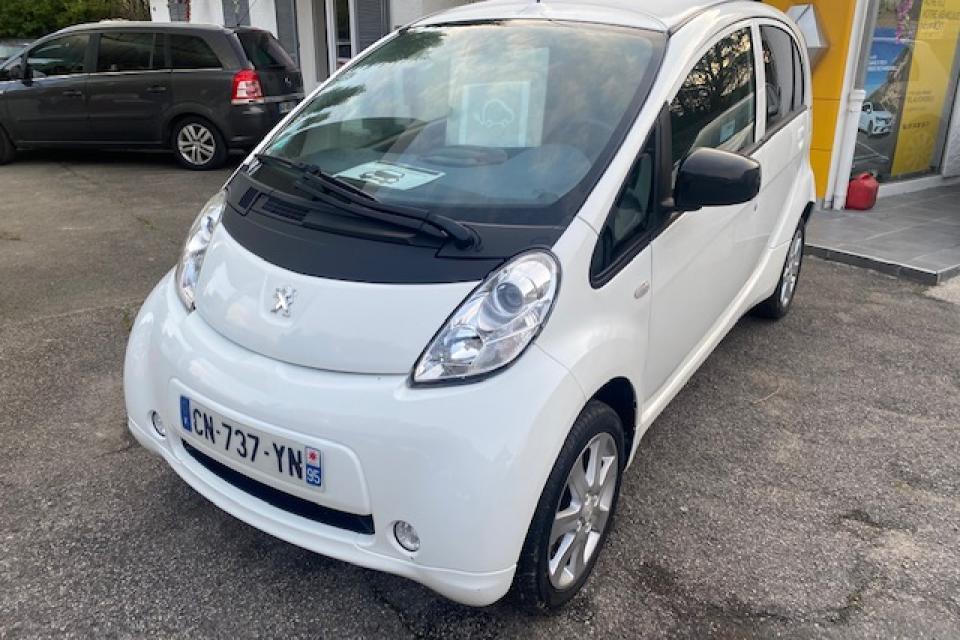 PEUGEOT ION ELECTRIQUE 48 kW- couleur blanc vernis : réf 2819